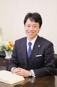 弁護士 波戸岡 光太 さん
